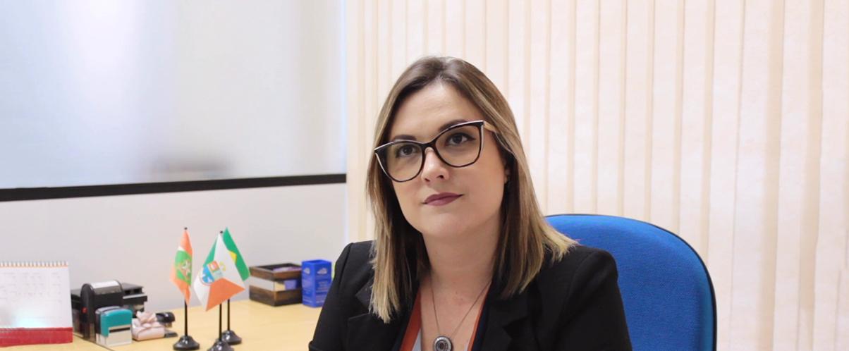 Palhoça na nuvem: entrevista com a secretária Cristina Schmidt